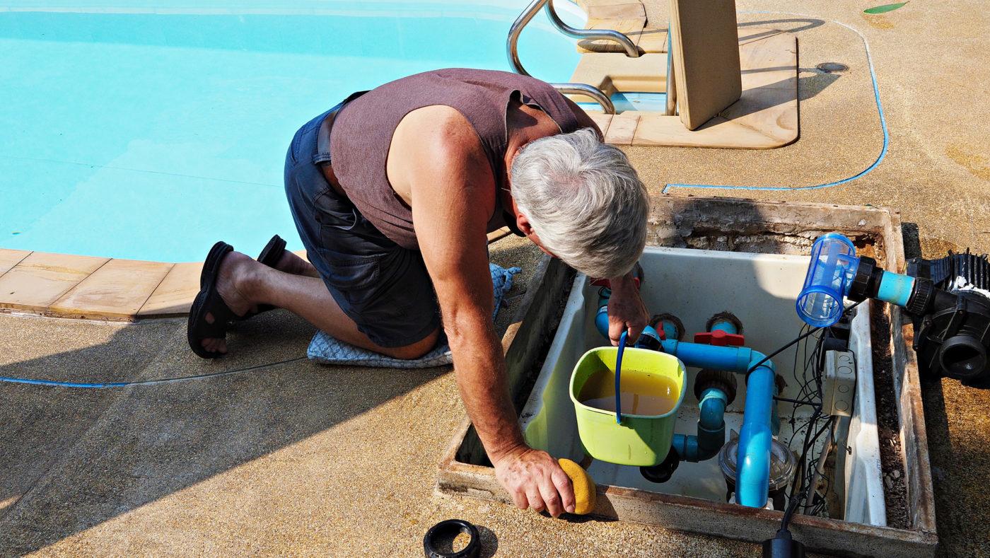Pool equipment repair in Pompano Beach
